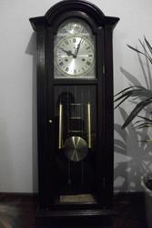 Продам часы настенные маятниковые с боем
